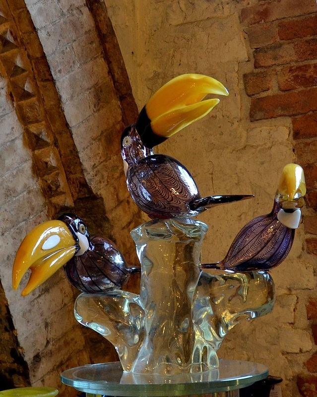 Murano Glass Sculpture, Real Murano Glass, Authentic Murano Glass, Shopping for Murano Glass, Venetian Glass Sculptures, Ex Chiesa Santa Chiara Murano, Shopping on Murano, Large Murano Glass Sculpture, Murano Glass Birds, Murano Glass Toucans, Toucan Sculpture, Modern Murano Glass Sculpture